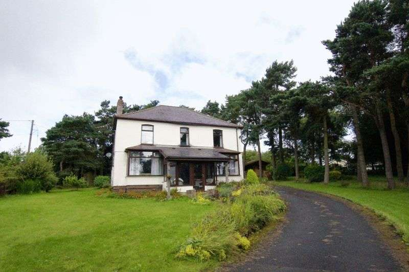 4 Bedrooms Detached House for sale in Ruthin Road, Bwlchgwyn, Wrexham