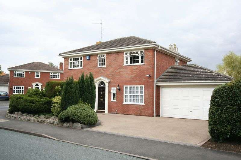 4 Bedrooms Detached House for sale in SWINDON, Church Road
