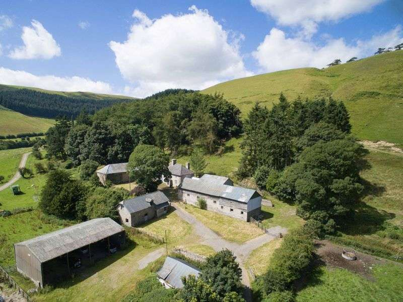 4 Bedrooms Detached House for sale in The Vron, New Radnor, Presteigne LD8 2TN