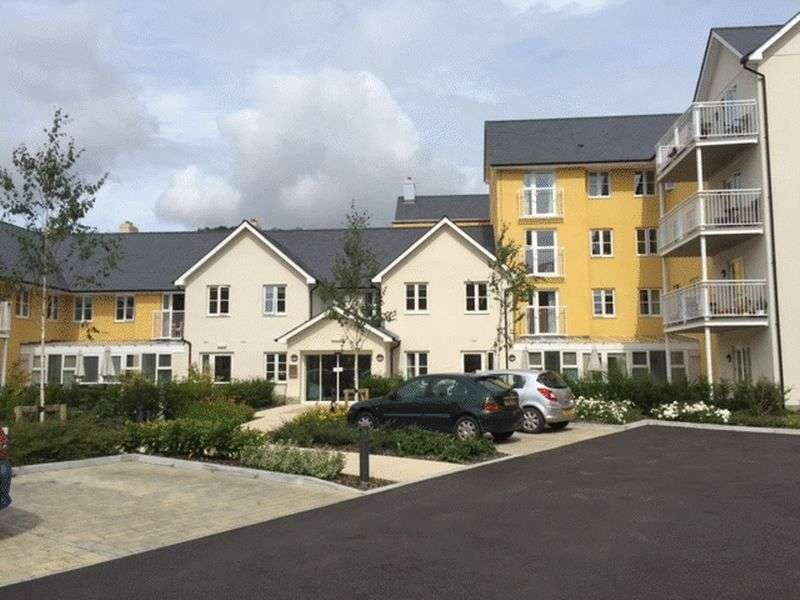 2 Bedrooms Flat for sale in Barnhill Road, Chipping Sodbury, Bristol: Two bed second floor Assisted Living retirement apartment