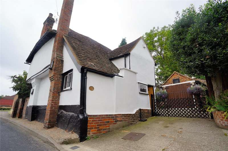 3 Bedrooms Detached House for sale in Cooling Road, Rochester, Kent, ME2