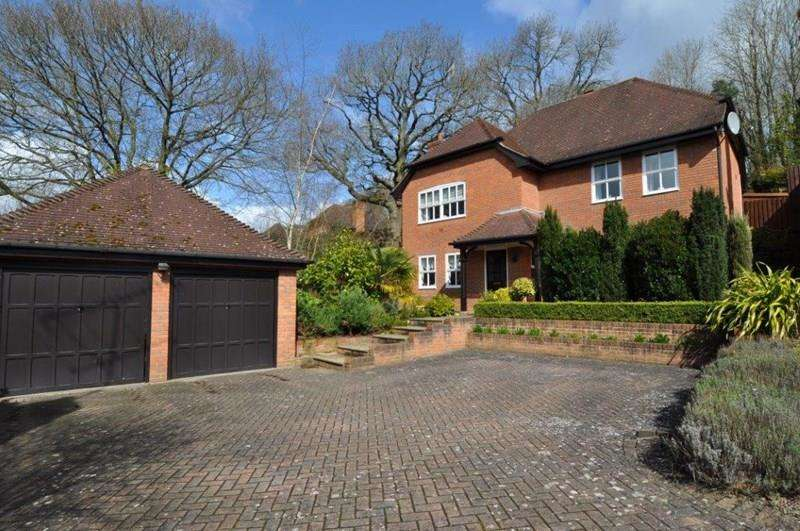 4 Bedrooms Detached House for sale in Chesterton Close, Redditch