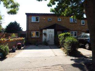 3 Bedrooms End Of Terrace House for sale in Temple Close, London