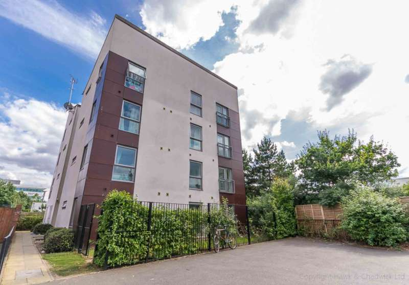 2 Bedrooms Apartment Flat for sale in Aviation Avenue, Hatfield