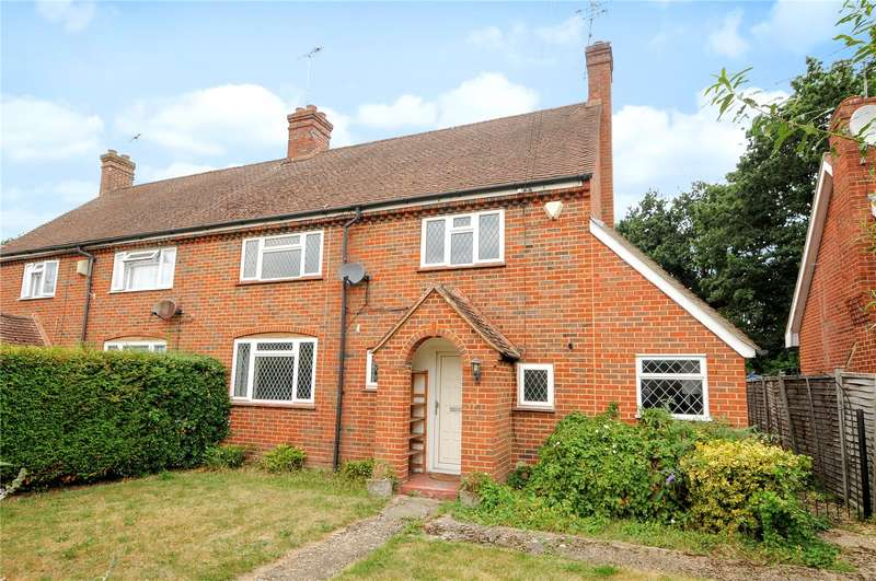 4 Bedrooms Semi Detached House for sale in West Green, Yateley, Hampshire, GU46