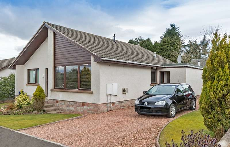 3 Bedrooms Bungalow for sale in Parkhill Place, Kirriemuir, Angus, DD8