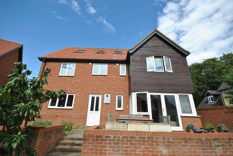 6 Bedrooms Detached House for sale in The Glebe, Hockering