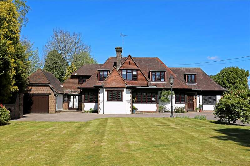 5 Bedrooms Detached House for sale in Tylers Green, Haywards Heath, West Sussex, RH16