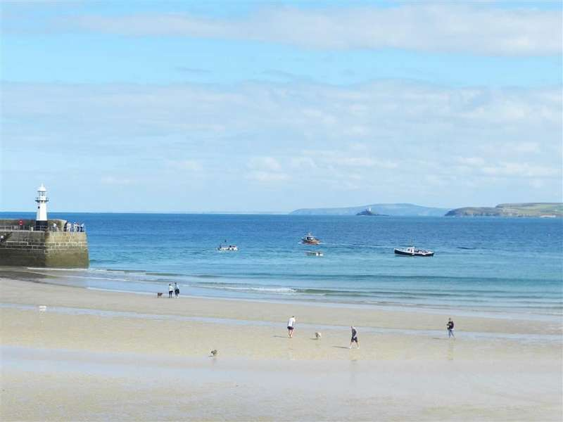 6 Bedrooms Property for sale in St Andrew's Street, St Ives