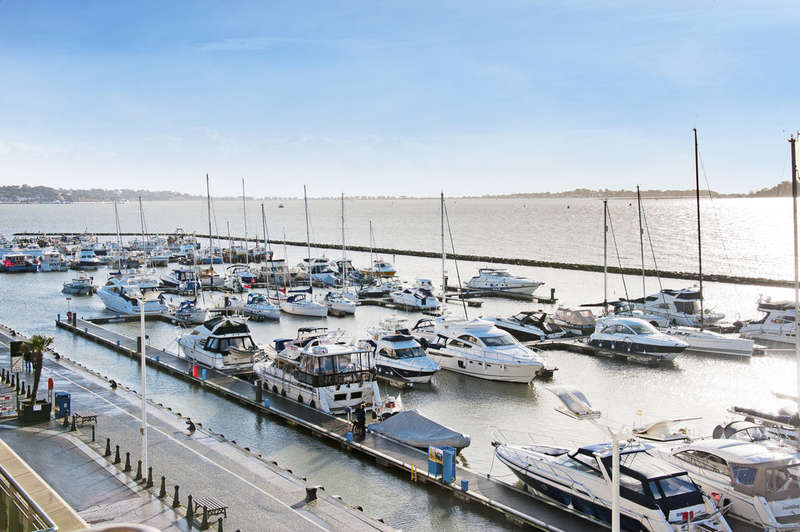 2 Bedrooms Apartment Flat for sale in Dolphin Quays, Poole