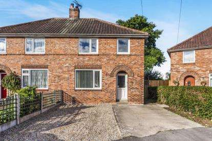 3 Bedrooms Semi Detached House for sale in Constantine Grove, Catterick Garrison, North Yorkshire, Catterick Garrison
