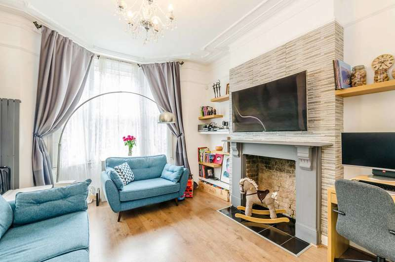 Flat in  Croxley Road  London  W9  Richmond