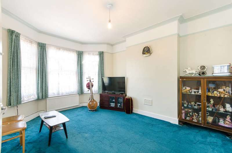 Flat in  Mora Road  Cricklewood  NW2  Richmond