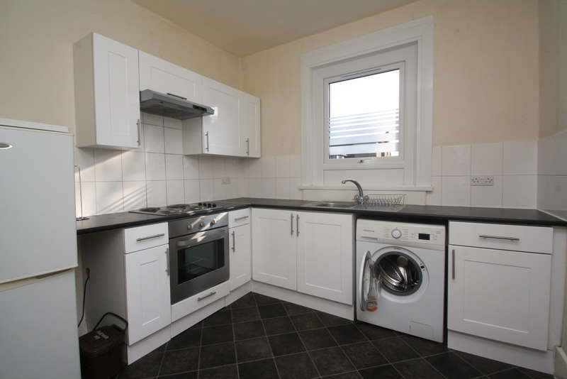 Flat in  Elm Grove  Cricklewood  NW2  Richmond