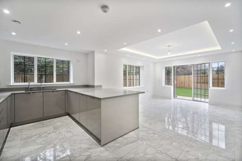 Detached house in  Chandos Way  London  NW11  Richmond