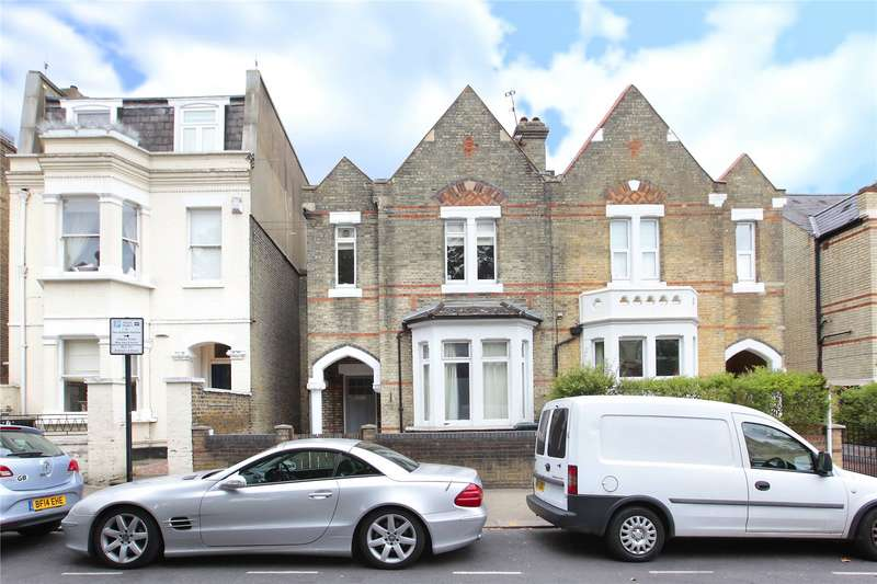 Flat in  Alma Road  Wandsworth  London  SW18  Richmond