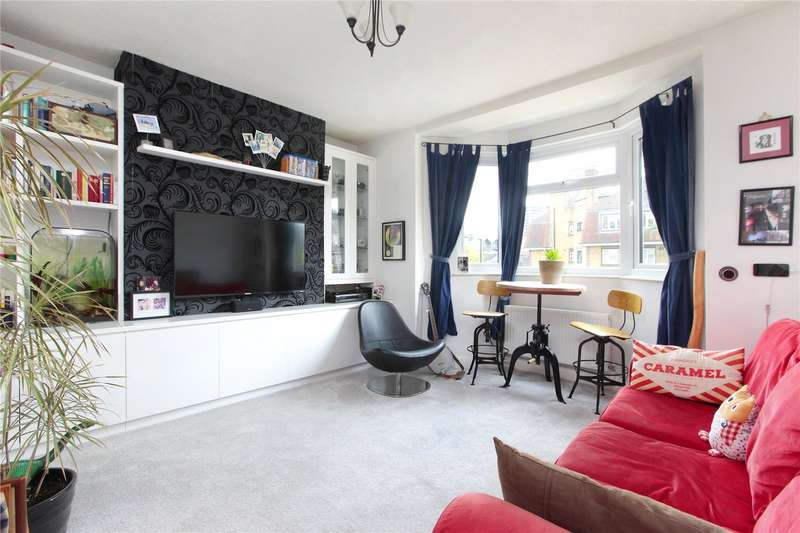 Flat in  Armoury Way  Wandsworth  London  SW18  Richmond