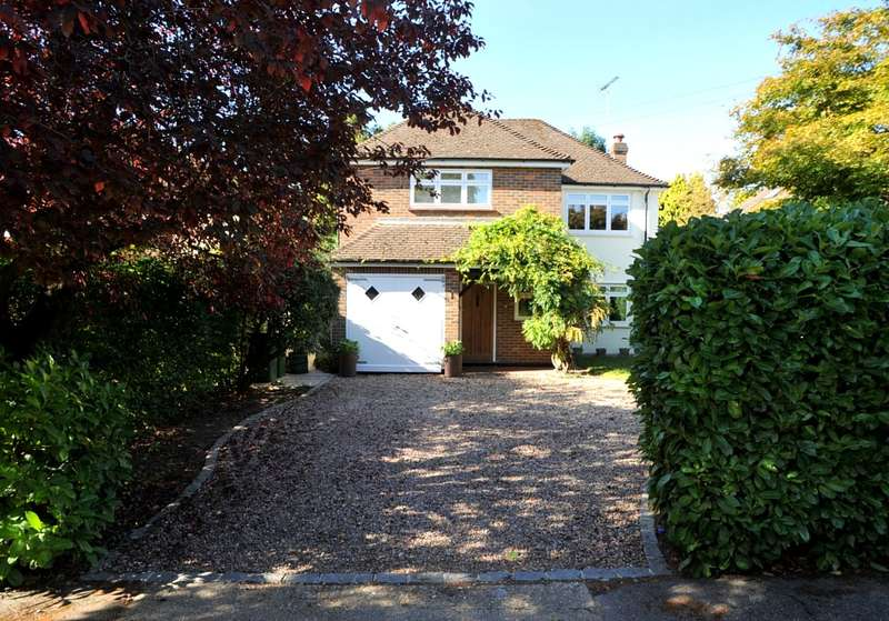 Detached house in  Twinoaks  Cobham  KT11  Richmond