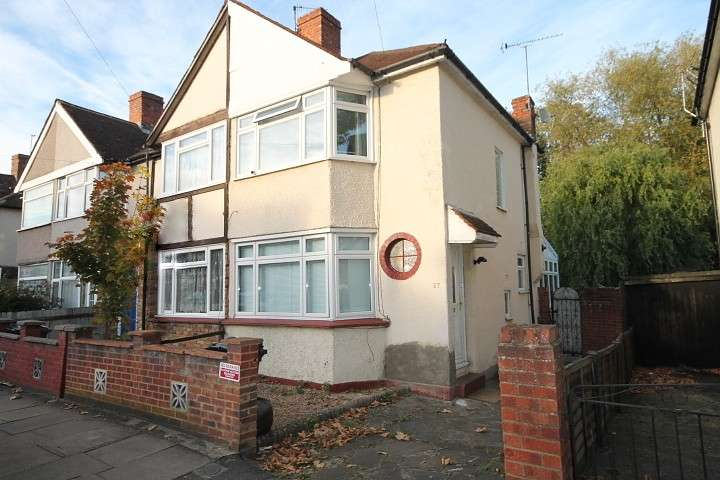 House in  Saxon Avenue  Feltham  TW13  Richmond