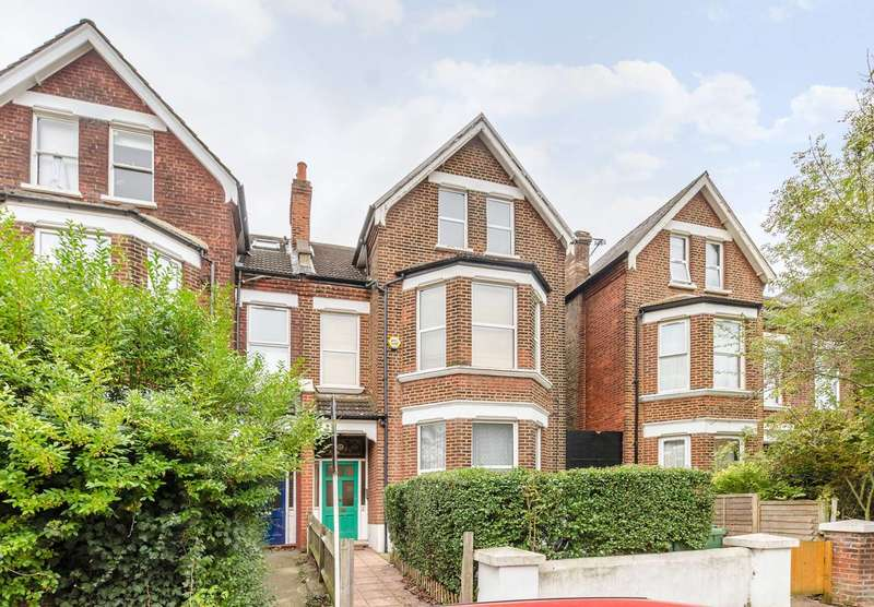 Flat in  Minster Road  London  NW2  Richmond