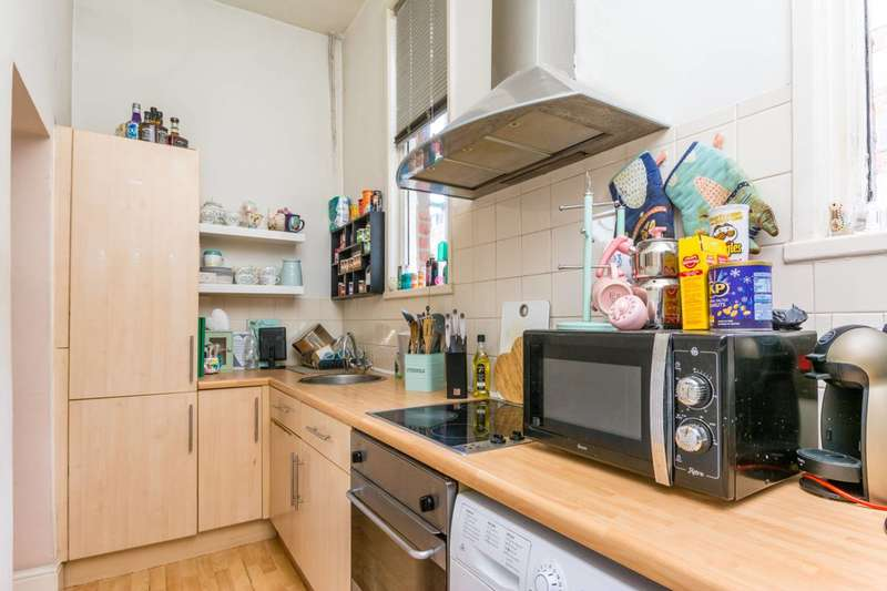 Flat in  Wellesley Road  Chiswick  W4  Chiswick