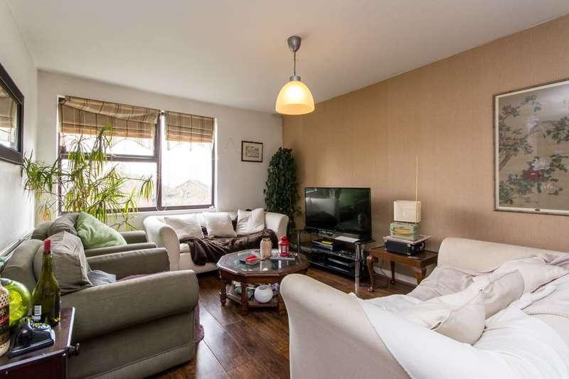 Flat in  Brook Road  London  NW2  Richmond