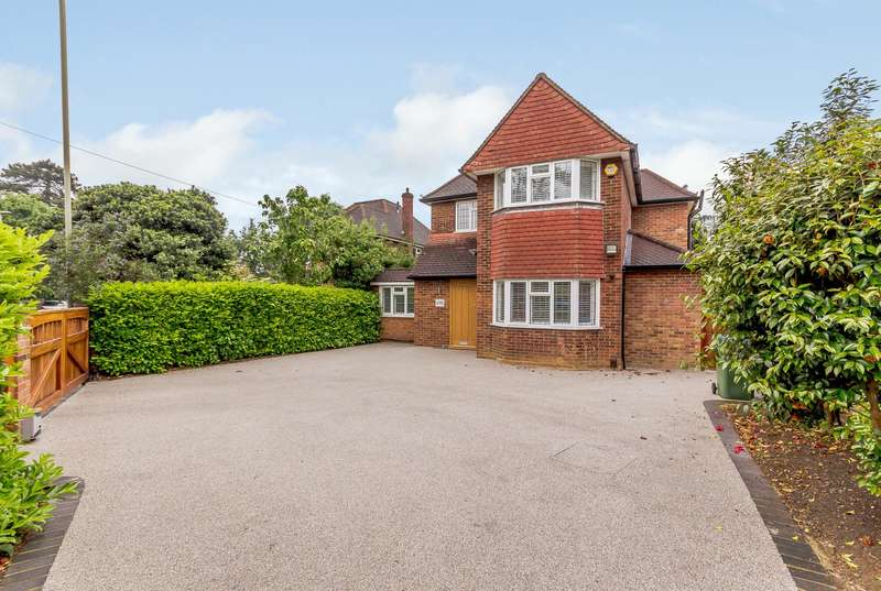 Detached house in  Sidney Road  Walton-on-thames  KT12  Richmond