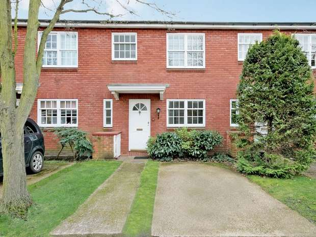 Terraced house in  Langham Place  Chiswick  W4  Richmond
