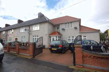 4 Bedrooms Semi Detached House for sale in Rugby Road, Dagenham