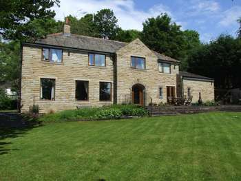 5 Bedrooms Detached House for sale in Spa Lane, Bingley