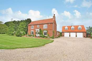 4 Bedrooms Detached House for sale in Upton Lane, Gainsborough