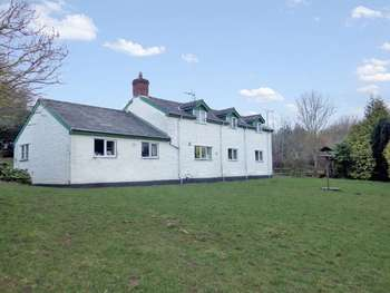 3 Bedrooms Detached House for sale in Newton St. Margarets, Herefordshire