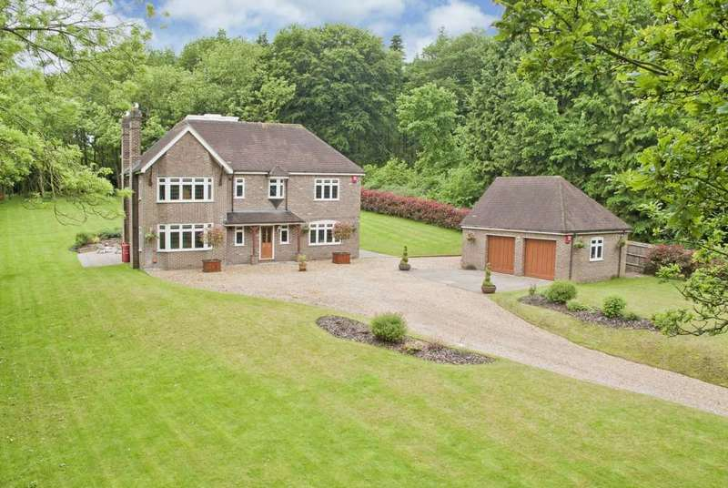 5 Bedrooms Detached House for sale in Buckwood Lane, Studham
