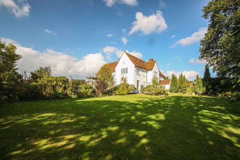 5 Bedrooms Detached House for sale in Coopersale, Epping