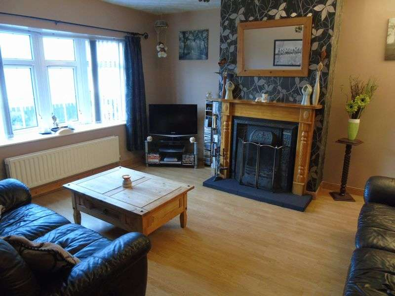 3 Bedrooms Semi Detached House for sale in Lougestown Park , Coleraine