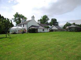 4 Bedrooms Detached House for sale in Tyn-Y-Groes, Conwy, Conwy, LL32
