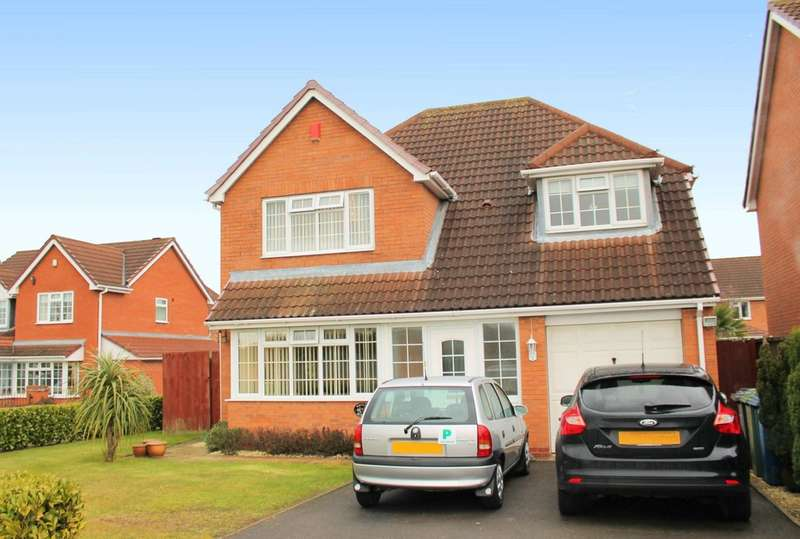 4 Bedrooms Detached House for sale in Whitley Avenue, Amington, B77 3QU