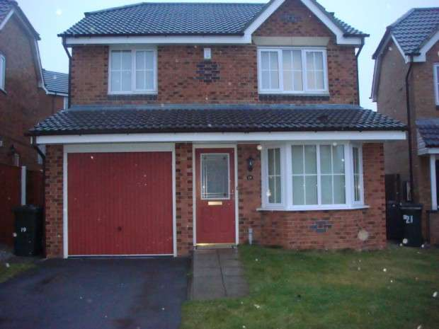 4 Bedrooms Detached House for sale in Limevale Way, Wibsey, BD6