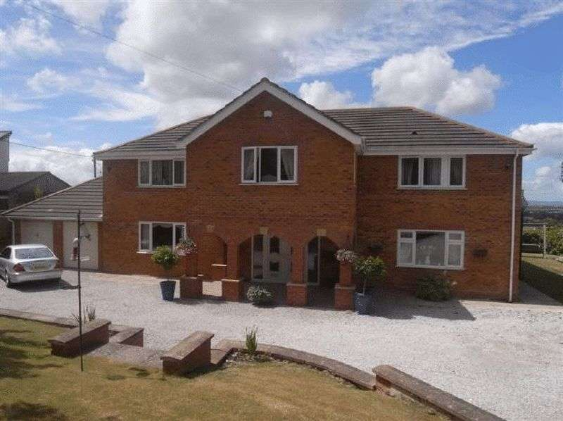 4 Bedrooms Detached House for sale in Cwm Road, Dyserth