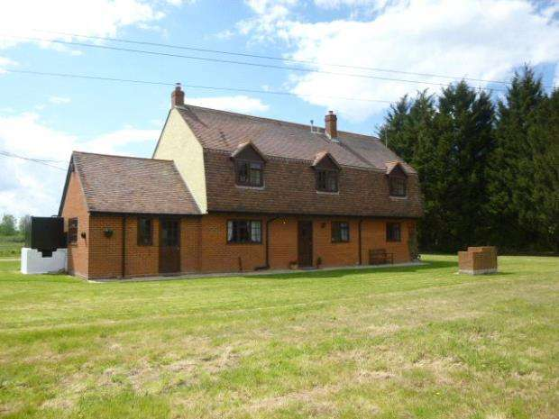 4 Bedrooms House for sale in Rumage House, Slough Lane, Ardleigh
