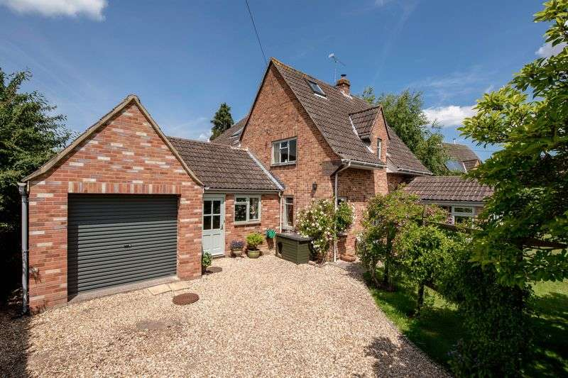 5 Bedrooms Detached House for sale in STAPLEGROVE VILLAGE