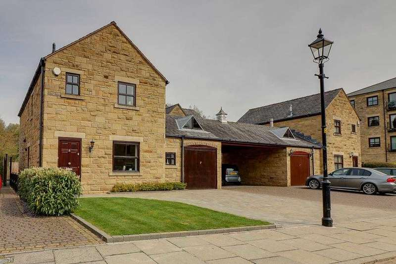 4 Bedrooms Detached House for sale in Hardcastle Close, Bolton