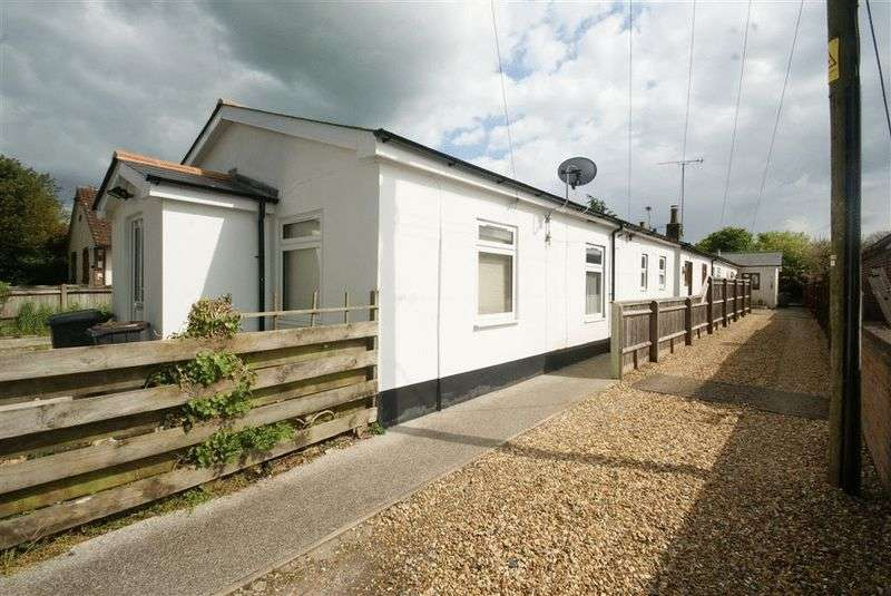 1 Bedroom Semi Detached Bungalow for sale in Bulford Road, Shipton