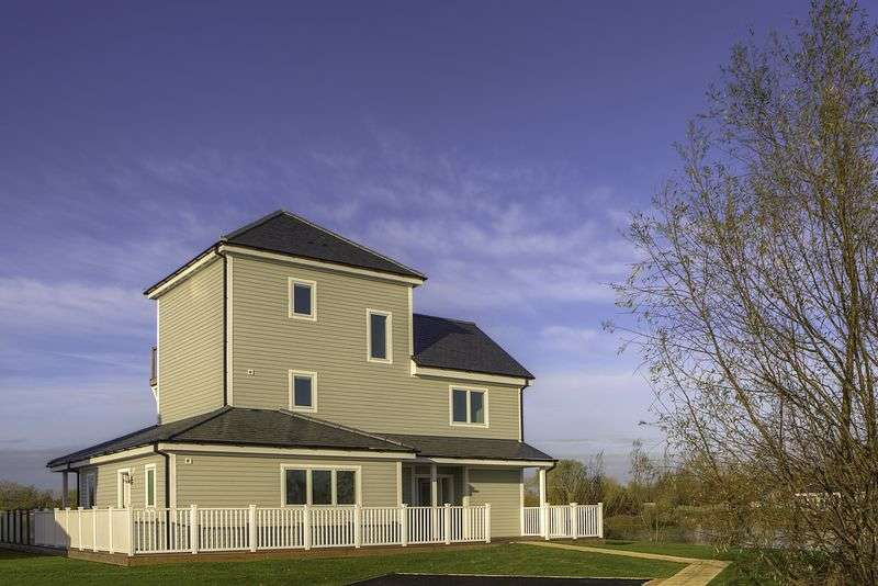 5 Bedrooms Detached House for sale in Plot 63 The Super Grand Hampton, Summer Lake, Spine Road, South Cerney, Nr. Cirencester, GL7 5LW