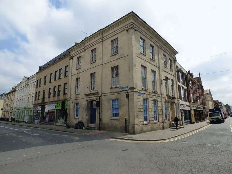 8 Bedrooms Commercial Property for sale in Clarence Street, Gloucester