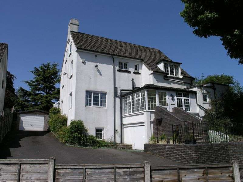 7 Bedrooms Detached House for sale in Wolverhampton Road, Dudley