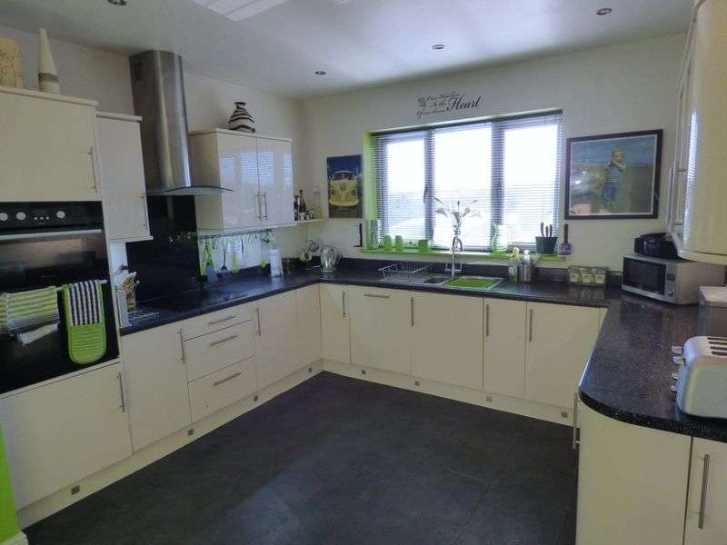 3 Bedrooms Semi Detached Bungalow for sale in Middleton Tyas, Richmond