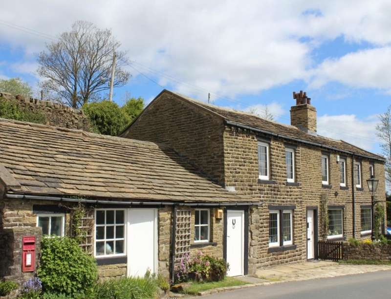 4 Bedrooms Detached House for sale in Haggate Nook Scar Top, Oldfield, Keighley, BD22