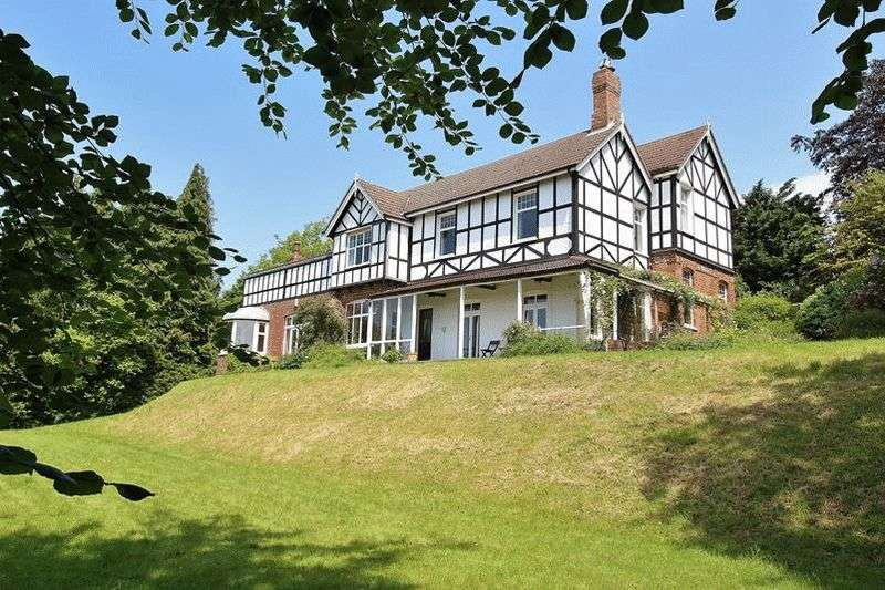 5 Bedrooms Detached House for sale in Landscape Road, Warlingham
