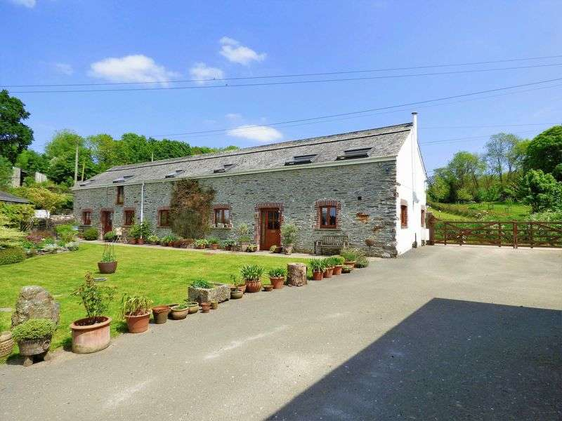 4 Bedrooms Detached House for sale in Bere Alston, Yelverton